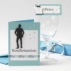 Konfirmationsindbydelse og bordkort med dreng i silhuet og skjorte af karton og papir