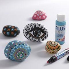Mal på sten med hobbymaling