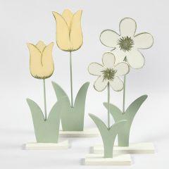 Blomster af træ malet med hobbymaling