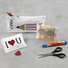 Penalhus og pung dekoreret med glitter strygestof og tekstiltusch