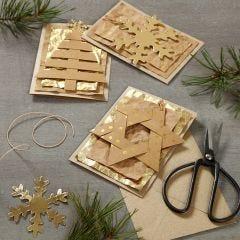 Julekort pyntet med læderpapir ophæng