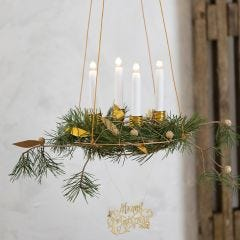 Hængende adventskrans med lysholdere af bonzaitråd og læderpapir pynt