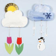 Ophæng af skyer med forskelligt vejr lavet af karduspapir og karton