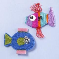 Fisk lavet af garn og plastaffald