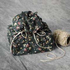 Genanvendelig gaveindpakning af patchworkstof