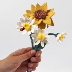 Solsikke og marguerit blomster lavet af Silk Clay