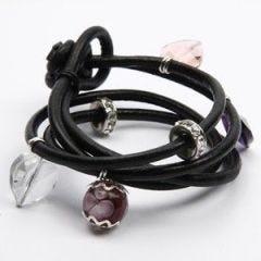 Læderarmbånd med hjerte-charms