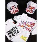 Kasketter og t-shirts med bogstavtryk