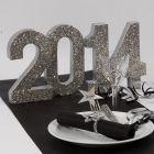 Sølvglitrende pynt til nytårsbordet