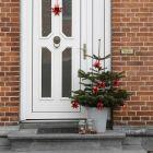 Flettede julestjerner af stjernestrimler med lak