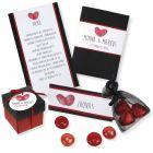 Indbydelse, bordkort, menukort og bordpynt i sort med hjerter af fingeraftryk
