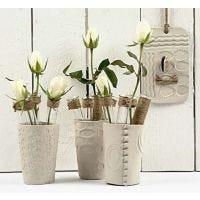 Vaser af selvhærdende ler