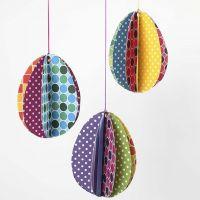 3D påskeæg af mønstret karton i friske farver