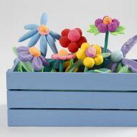 Altankasse med blomster af Silk Clay og Foam Clay