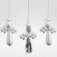 Saml-selv engle lavet af perler og prismer