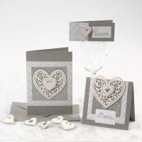 Invitation, bordkort og menukort i sølv med hjerter