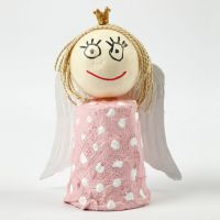 Engel af gips på papkrus
