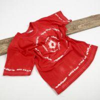 T-shirt med batikmaling