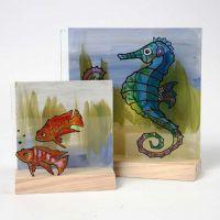 Akvarie på todelt 3D plade af træ og glas