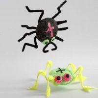 Edderkopper af styropor, Foam Clay og chenille