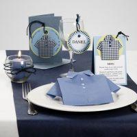 Invitation, bordkort og bordpynt med skjorter af designpapir