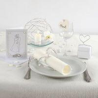 Kreativ indbydelse, borddækning og bordpynt til bryllup i hvidt