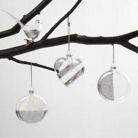 Fugl, hjerte og flad glaskugle dekoreret med bladsølv