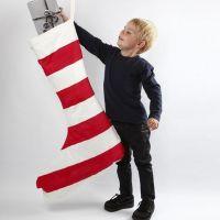Maxi julesok med tekstilmaling i røde og hvide striber