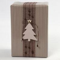 Julegaveindpakning med gavepapir og pynt i design fra Vivi Gade