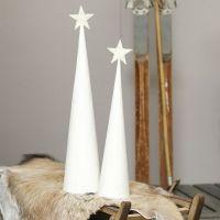 Juletræ af hvidmalet kegle med glitrende topstjerne