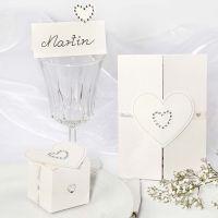 Bryllupsinvitationer, bordkort og æske med rhinstensbesatte hjerter