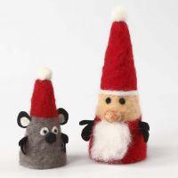 Julemand og julemus af styroporkegler med nålefilt
