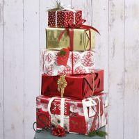 Julegaveindpakning med forskellige motiver og pynt i design fra Vivi Gade