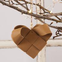 Flettet julehjerte i læderpapir