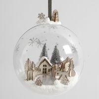 Julekugle med miniature julelandskab af Foam Clay og træfigurer