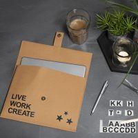 Læderpapir taske pyntet med rub on stickers