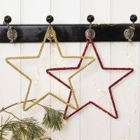 Hæklet julestjerne på metalophæng