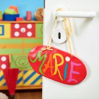Hængende dørskilt lavet af Fimo ler