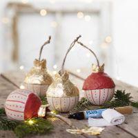 Julekugle i træ med bladguld