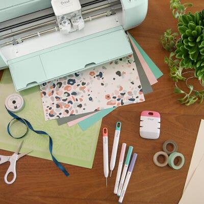 Få inspiration til at lave hjemmelavet papir